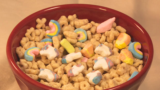 lucky-charms-with-marshmallow-unicorns-620.jpg
