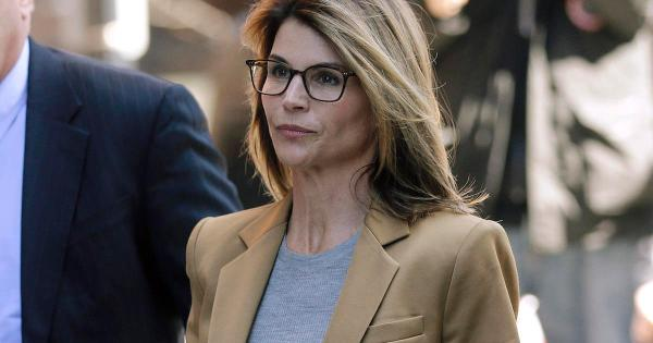 Lori Loughlin and other parents hit with new charges in college admissions scam