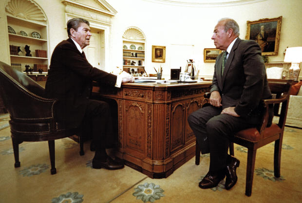 Reagan & Shultz In The Oval Office