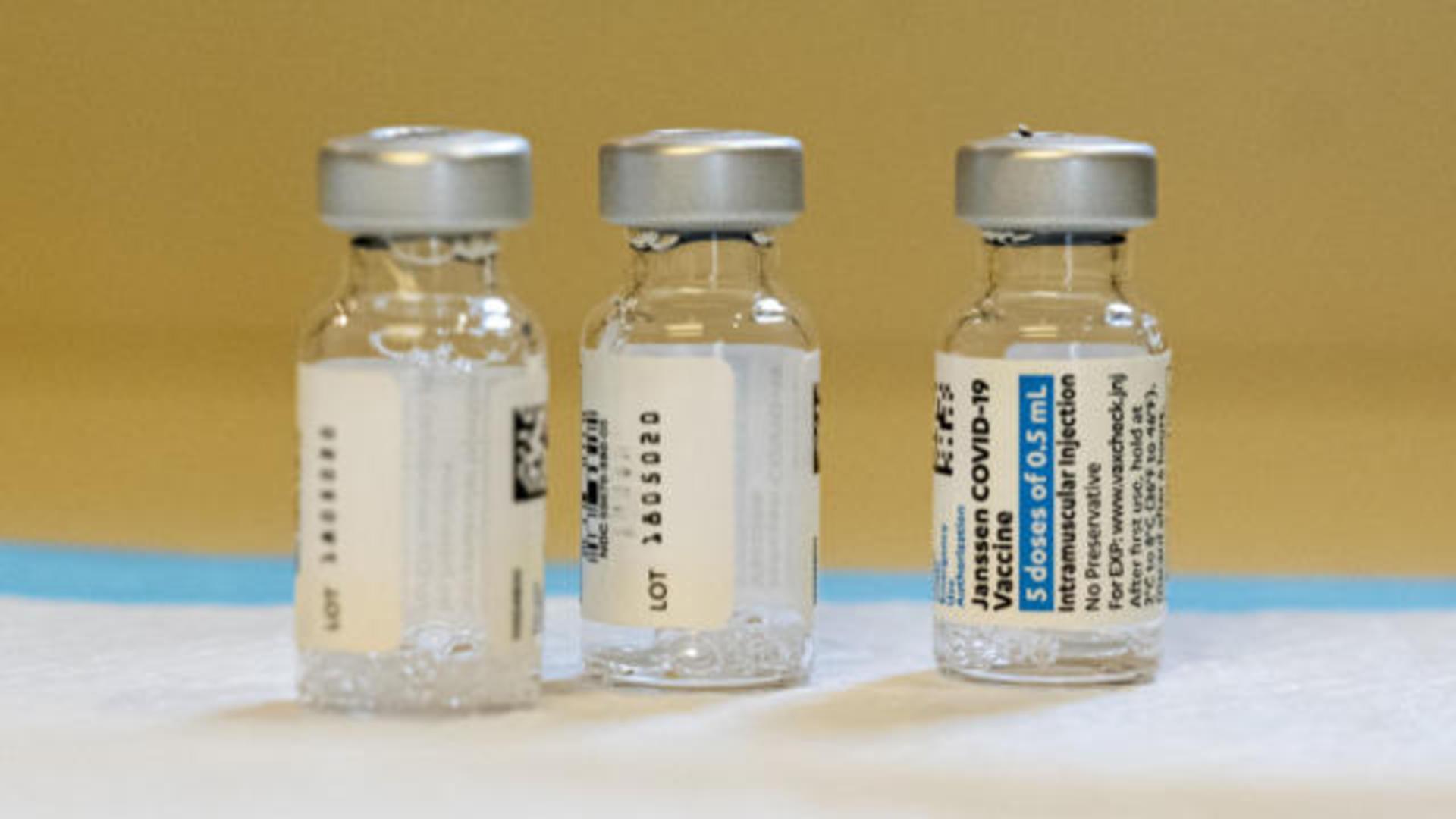 Breaking News Alert: US Calls For Pause On Johnson & Johnson Vaccine 4/13/21