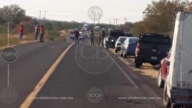Civiles armados bloquean carreteras en Tierra Caliente