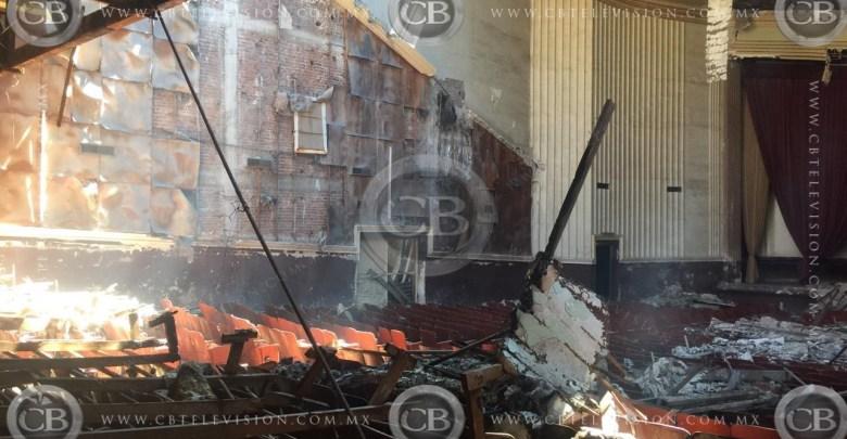Le prenden fuego a un cine en Apatzingán