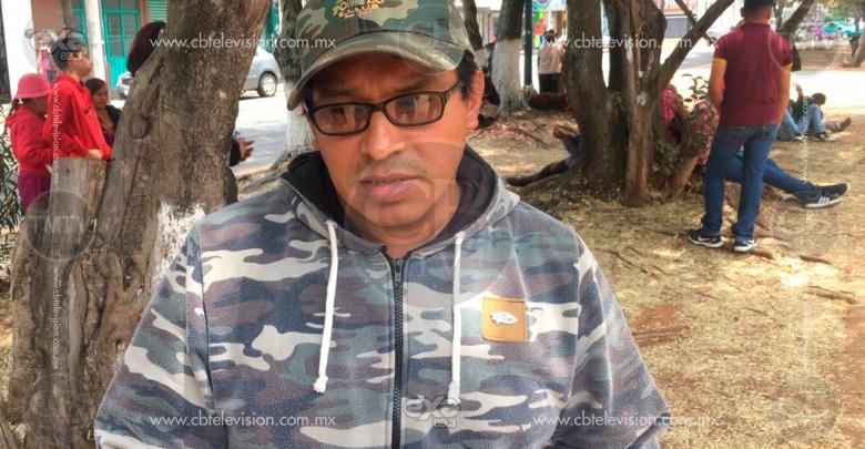 Campesinos mantienen bloqueo en SEDRUA; exigen apoyos estatales
