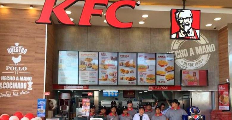 Fingió por dos años ser un inspector de KFC para comer gratis