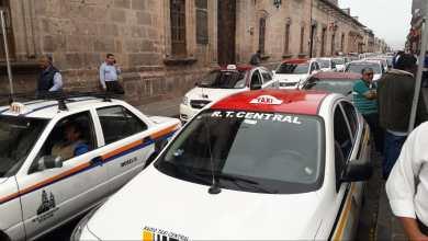 Taxistas se manifiestan en Palacio Municipal por falta de seguridad