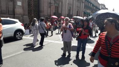 Movimiento Antorchista se manifiesta afuera del palacio de Gobierno