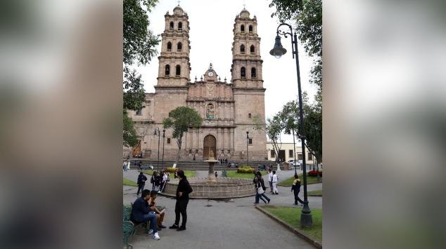 Ciudadanos manifiestan su enojo ante malas condiciones de Plaza San José