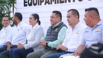 Cumple Víctor Manríquez condiciones laborales de empleados municipales