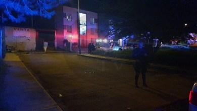 Hombre es baleado por pistoleros en moto
