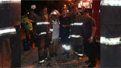 Bomberos Tarímbaro festeja su día sofocando incendio en una vivienda