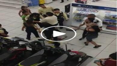 Video: Clienta y empleada de Coppel se agarran a golpes