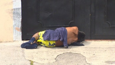 Ciudadanos se quejan de alcohólicos en la Vasco de Quiroga