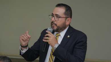 Humberto González, busca fortalecer economía de los michoacanos con Feria de Útiles Escolares