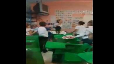 Video: Maestra canta a sus alumnos para tranquilizarlos durante balacera