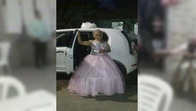 Photo of Mujer se vuelve viral al realizar fiesta de XV a los 79 años