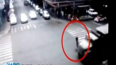Photo of VIDEO (+18): Ciclista muere tras ser atropellado por camión militar