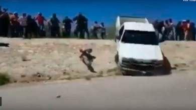 Photo of Video: Momento en que pick up de CFE atropella a manifestante