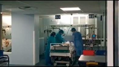 Photo of Video: conmovedor momento en el que extuban a un paciente de coronavirus en España