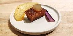 Pancia di maialino croccante, mostarda di mele