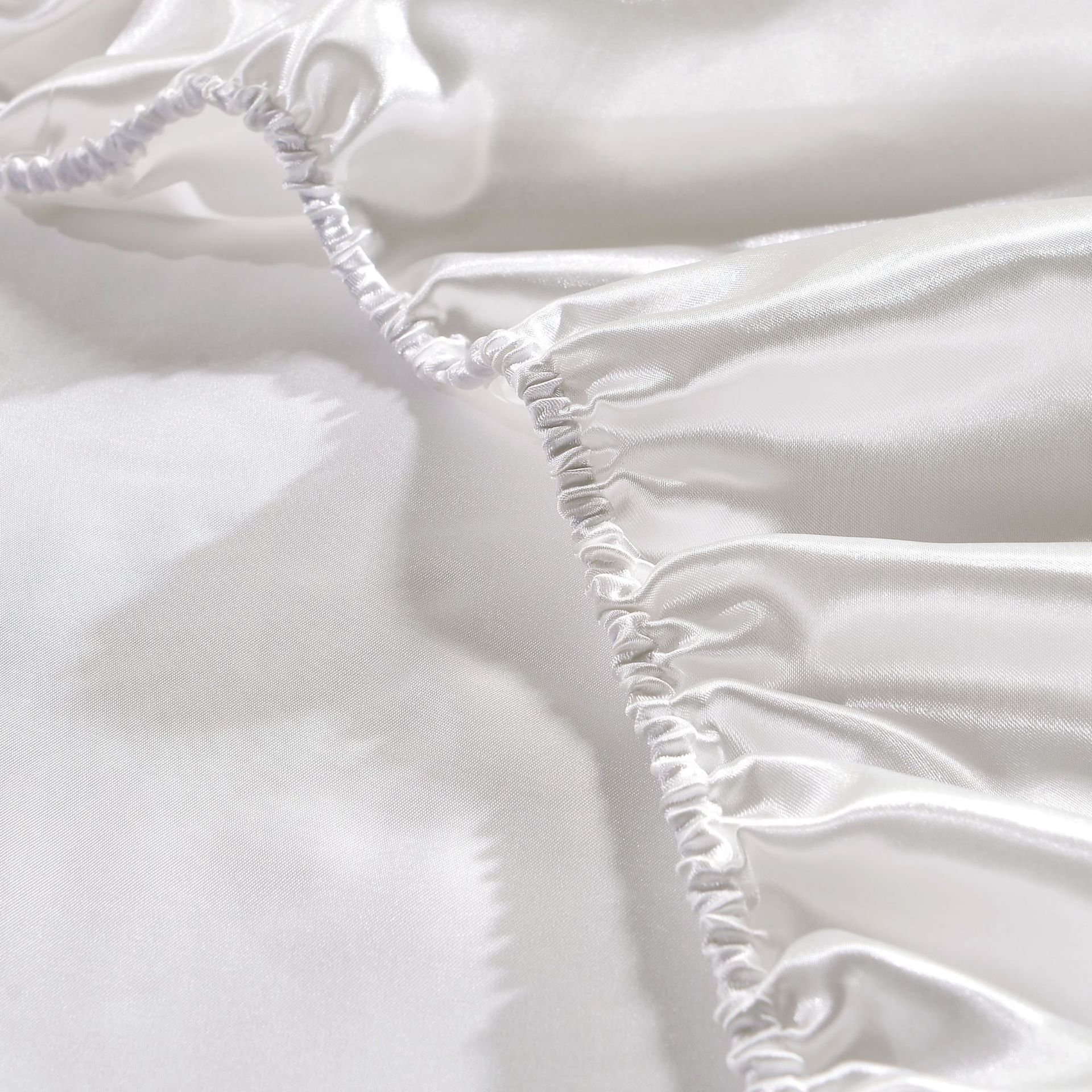 Satin Silk Bed Fitted Sheet Deep Pocket Soft Wrinkle Fade