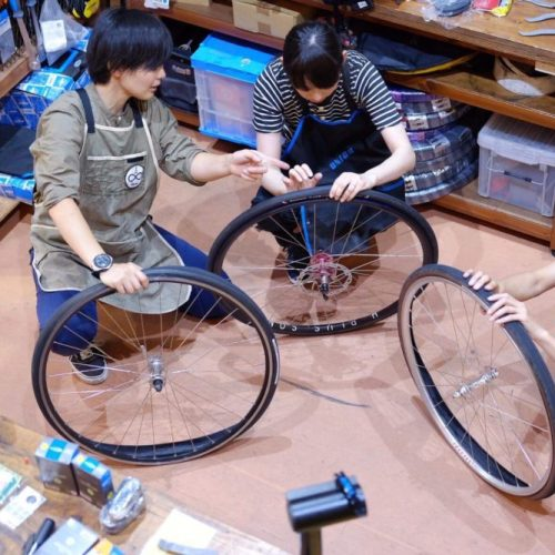 FIX LIKE COOK Vol.7:Tire Rescue & Let's Go Touring - パンク修理と輪行をマスターしよう!