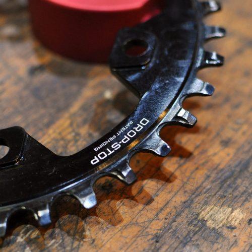 *新入荷情報「WOLF TOOTH Drop Stop Chain Ring SHIMANO 96PCD」