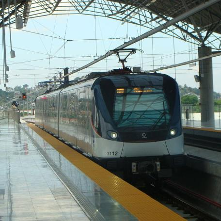 """""""Alstom Metropolis del Metro de Panamá - 2014"""" by Panamafly - Own work. Licensed under CC BY-SA 3.0 via Wikimedia Commons - http://commons.wikimedia.org/wiki/File:Alstom_Metropolis_del_Metro_de_Panam%C3%A1_-_2014.JPG#mediaviewer/File:Alstom_Metropolis_del_Metro_de_Panam%C3%A1_-_2014.JPG"""
