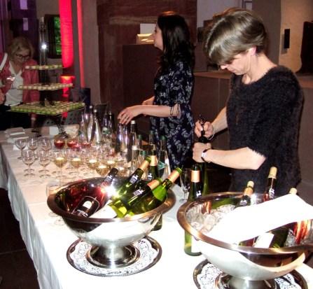 FRANKREICH-in-FFM-2015-Jeanette-Table-scha