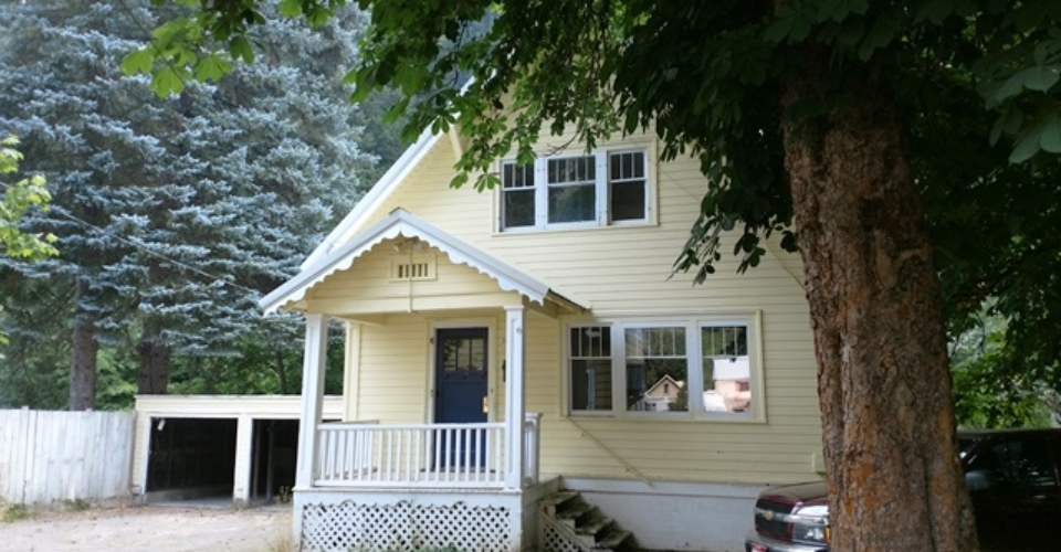 143 King St, Wallace - DUPLEX with (2) 2 bedroom/1bath units