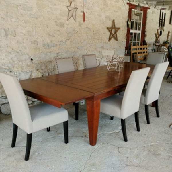 Eddinburgh Table with William Chairs