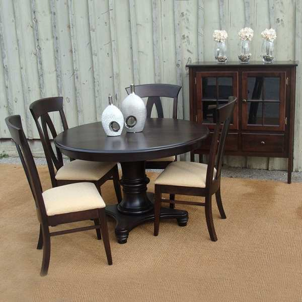 Woodbury Suite with Brookfield Chairs