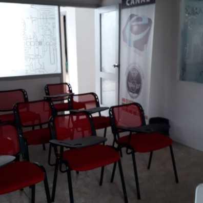 Salón de Clase 2 - Centro Comercial Rocha