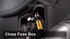 20102016 MercedesBenz E350 Interior Fuse Check  2010