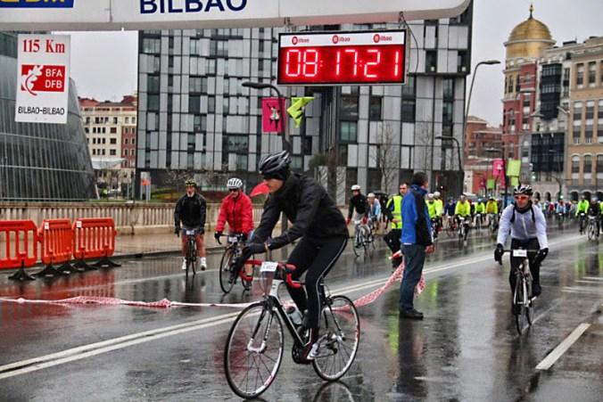 Salida de Carlos en la cicloturista de Bilbao