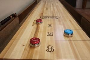 shuffleboard-table-alignment-adjusting-level1