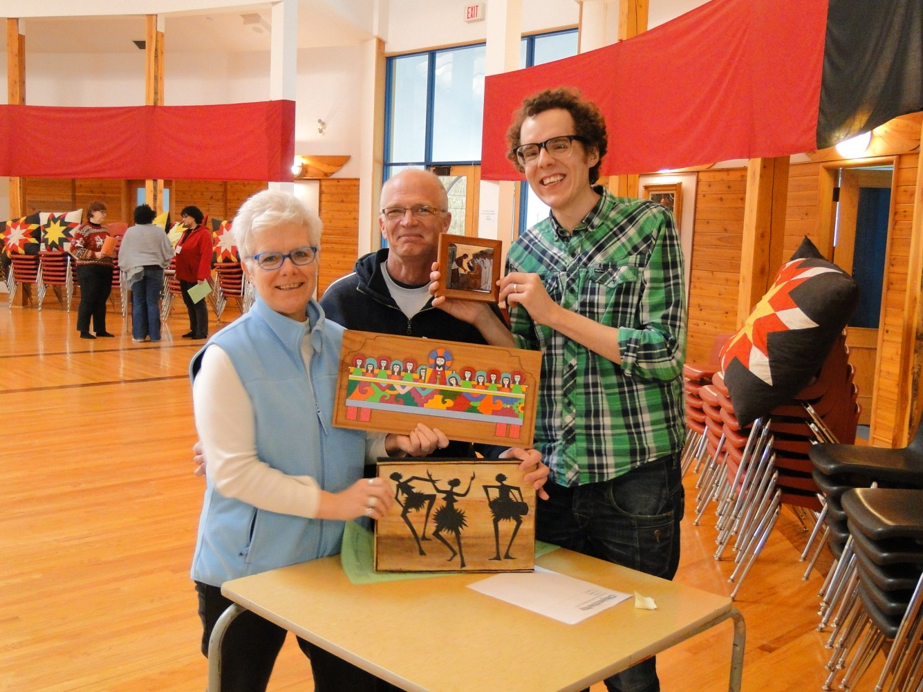 Lynn, Ian, and Josh play art critic