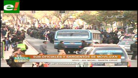 Suboficiales marchan en La Paz en defensa de sus camaradas