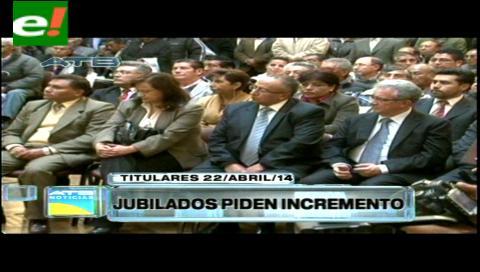 Titulares: Jubilados piden 10% de incremento en sus pensiones