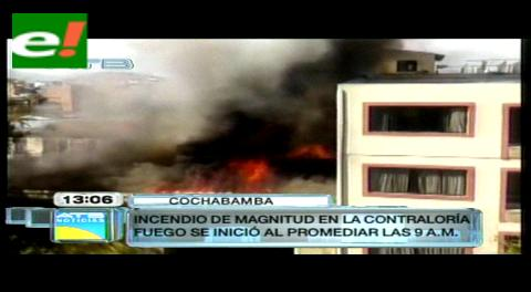 Un incendio en el Edificio de la Contraloría es sofocado por bomberos; los daños son materiales