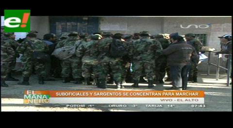 Militares marcharán hoy