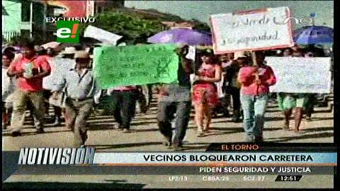 El Torno: Vecinos bloquean la carretera a Santa Cruz, exigen seguridad ciudadana