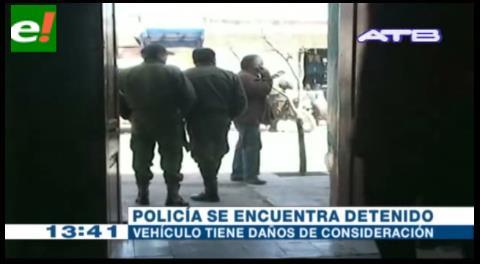 Policía ebrio choca patrulla contra volqueta en la ruta Oruro – Cochabamba