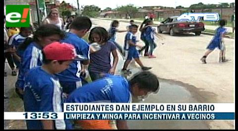 Estudiantes dan ejemplo en su barrio