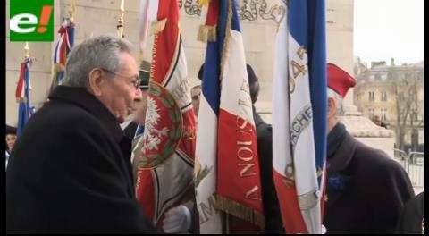 Raúl Castro fue recibido con honores en gira por Francia