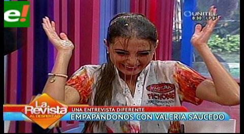 "Una entrevista diferente: ""empapándonos con Valeria Saucedo"""