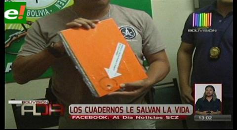 Los cuadernos le salvan la vida a un estudiante atracado