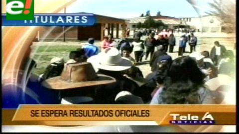 Titulares de TV: Oposición denuncia fraude electoral en el Beni