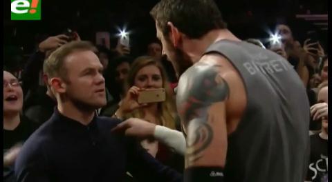 Rooney noquea a un luchador de la WWE