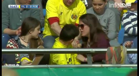 Lionel Messi dejó KO a una mujer con un pelotazo