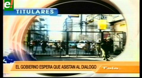Titulares de TV: Discapacitados se crucifican en la plaza Murillo